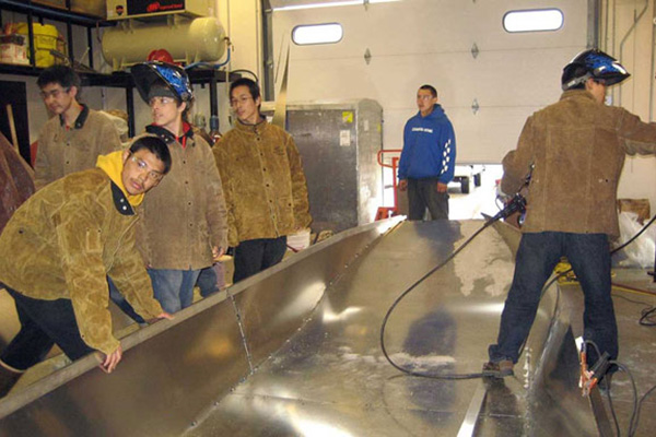Welding and boat fabrication class
