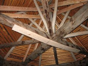 Internal roof supports