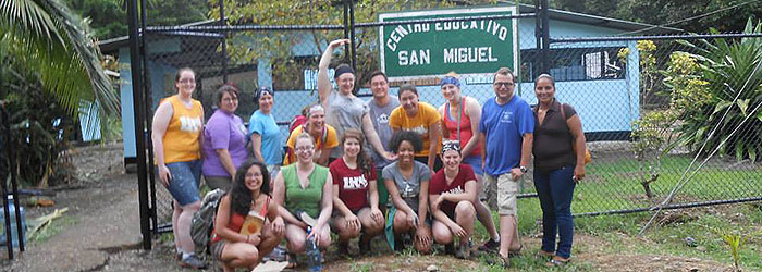 Costa Rica volunteers