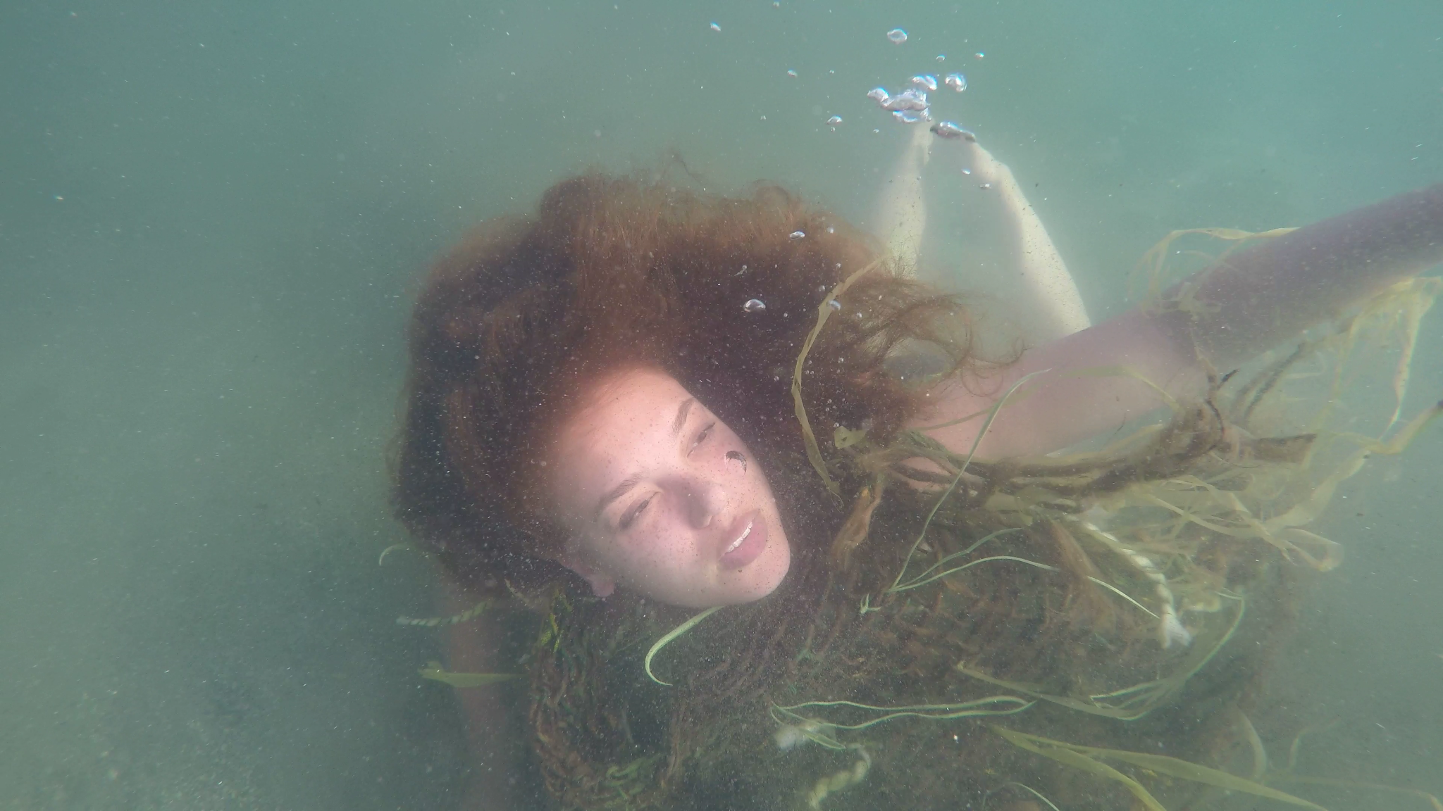 Leona (Ariana Polenco) in Bodies of Water
